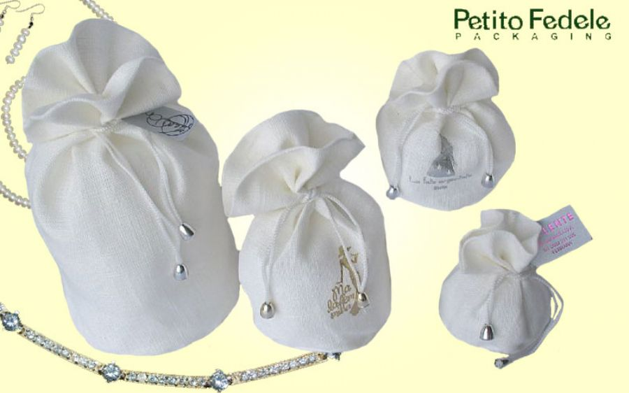 Soft pouch with round base in white linen