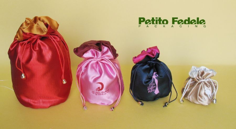 Soft pouch with round base internal lining in satin and external in satin cannette'fabric
