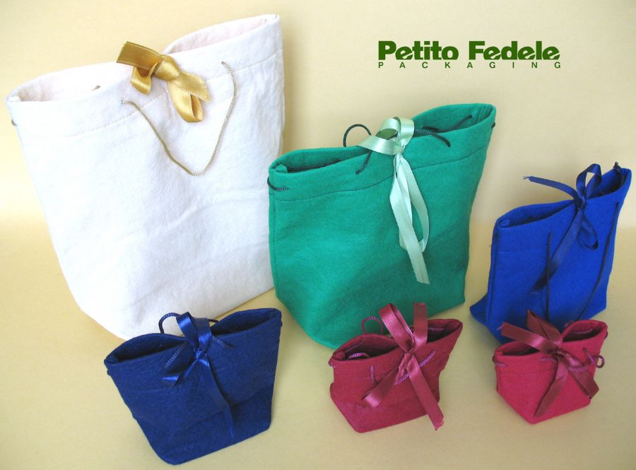 Soft pouch shopping bag style in cloth fabric