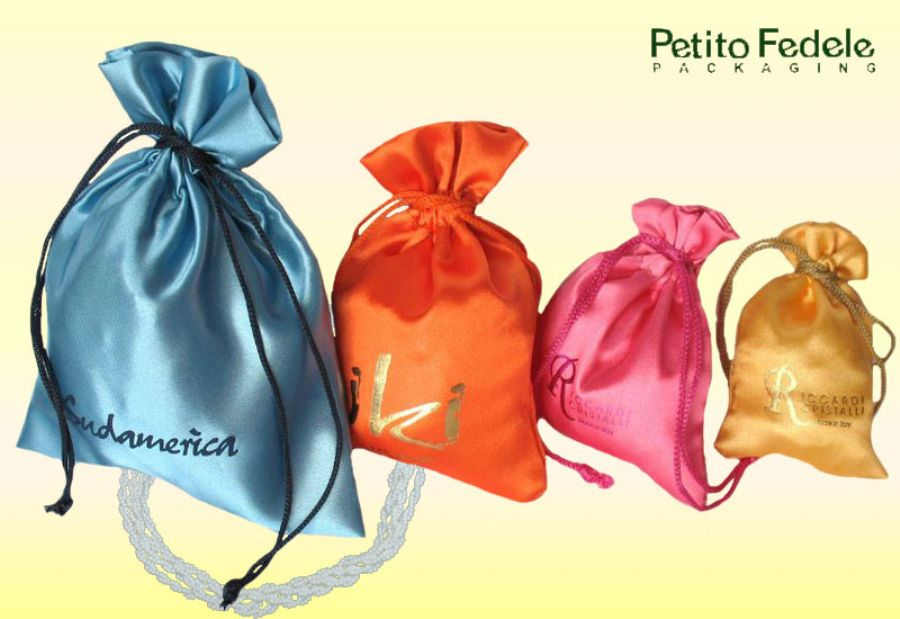 Soft pouch rectangular shape in satin