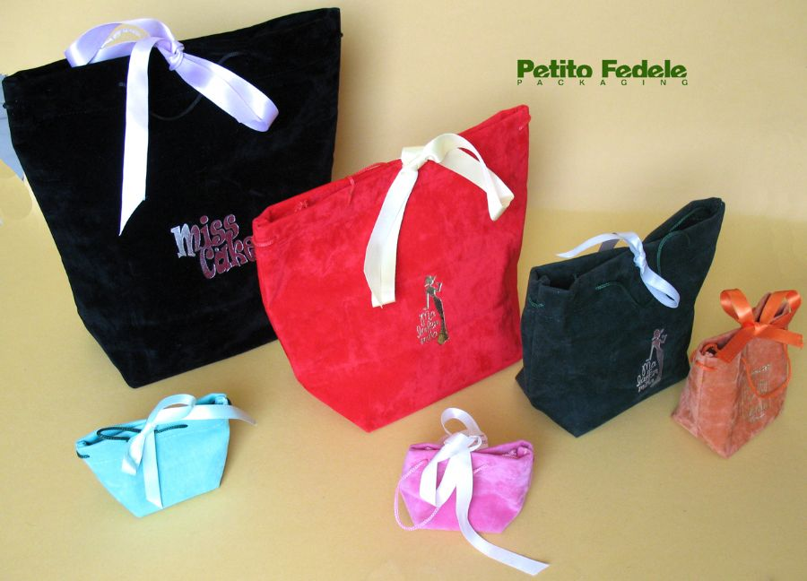 Soft pouch shopping bag style in sint fabric