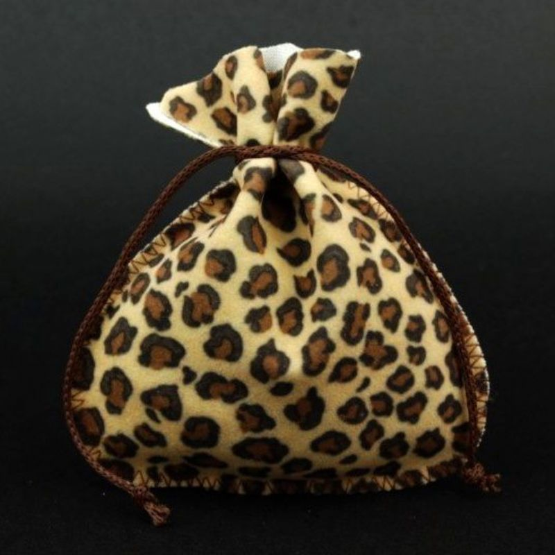 Soft pouch with rounded base in leopard like fabric